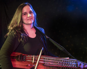 Violine, Nyckelharpa: Magdalena Wurlitzer